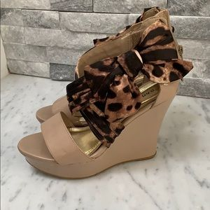 Leopard bow wedges
